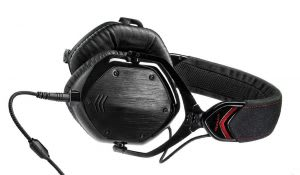 Best noise-cancelling bass headphones for audiophiles