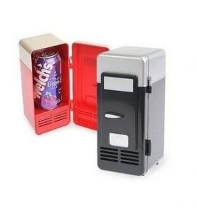 Desktop USB mini fridge