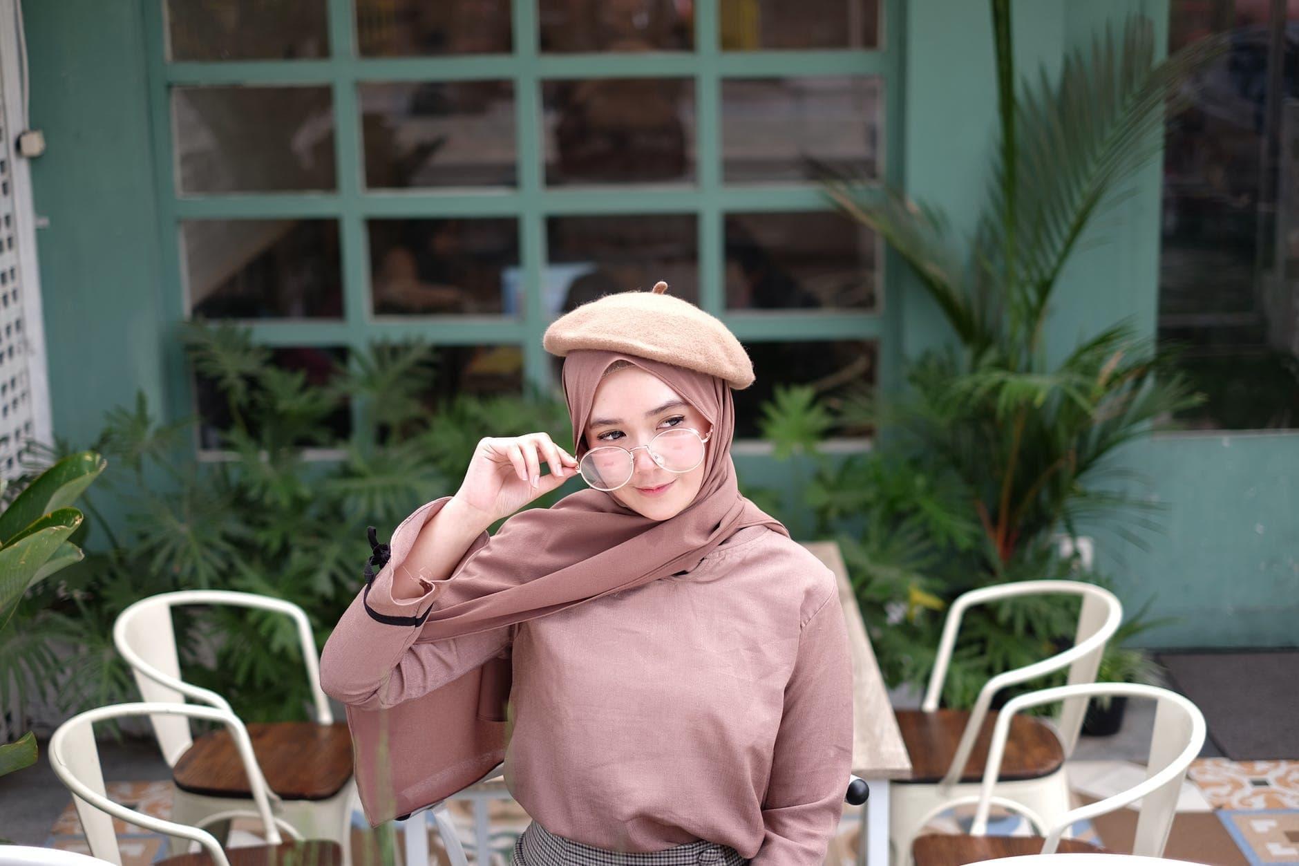 10 Baju Muslim Wanita Terbaru Yang Elegan Kekinian Di Indonesia Curretnyear