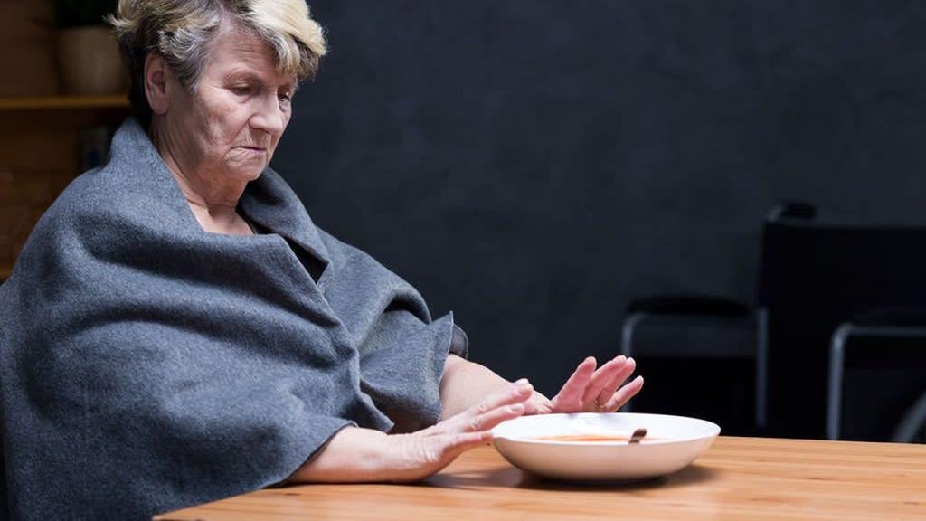Tips Mengatasi Lansia yang Susah Makan
