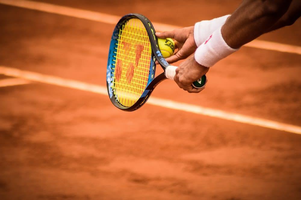 10 Raket Tenis Terbaik di Indonesia 2020 - Rekomendasi Merk Bagus