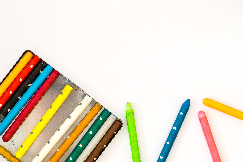 Cek 10 Crayon Berkualitas Bagus Di Indonesia Agar Hasil Lukisan Terlihat Jadi Nyata