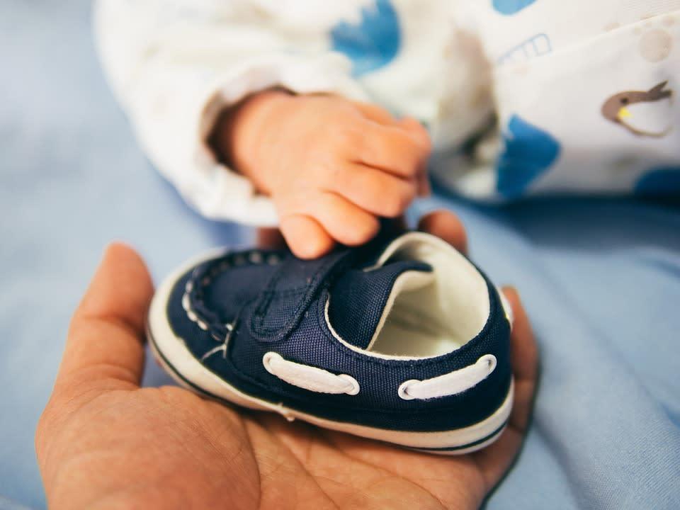 Buat Si Kecil Tampil Menawan dengan 10 Sepatu Bayi yang Aman dan Nyaman c7e1f9e5f6